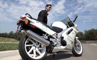 Used Bike Reviews – Honda VFR750 Interceptor ( 1993 RC36 )